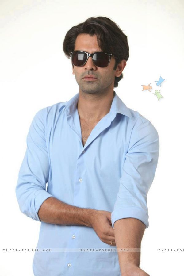 Image from http://img.india-forums.com/images/600x0/279148-barun-sobti-in-blue.jpg.