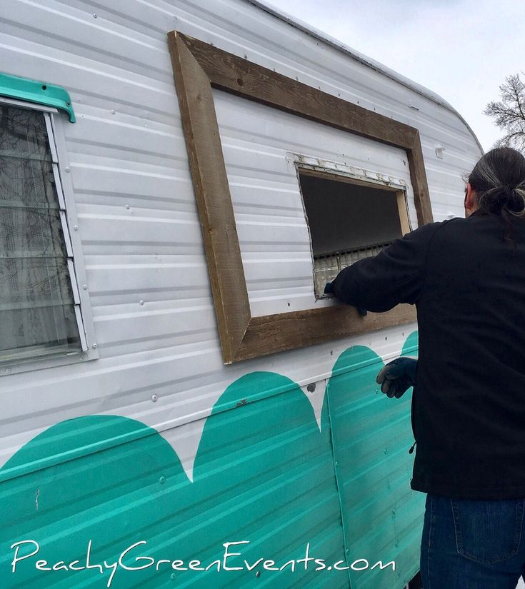 Working on a flip up awning to serve drinks out of! Working outside in Manitoba in the middle of winter can be cold but we are hearty folk and have towed The Peachy Green Sidecar, mobile bar for hire, around to a couple of venues already this winter!