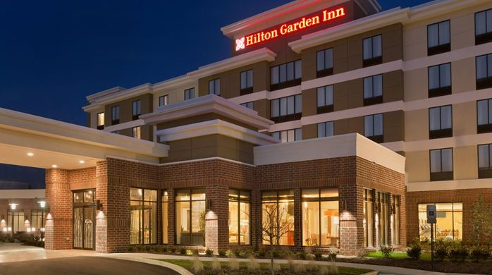 Hilton Garden Inn Pittsburgh Airport South-Robinson Mall Hotel, PA - Hotel Exterior at Night | PA 15205