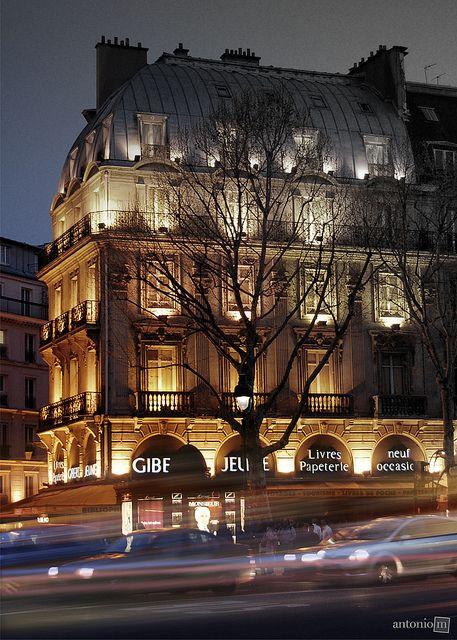 Boulevard St-Michel, Paris