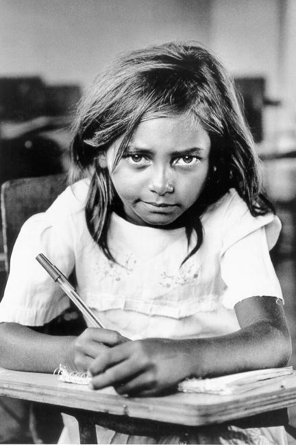 A menina da escolinha Rural_Sebastião Salgado