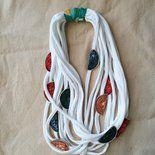 Collana bianca con capsule del caffè multicolor #lorysuncreazioni #DeShirt