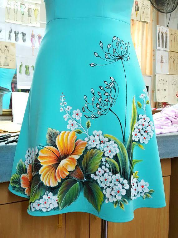 Váy xòe thiết kế váy vẽ tay họa tiết hoa thủ công V372 ở Hải Phòng