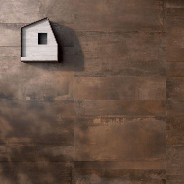 Con Interno 9 #abkemozioni si possono creare #pareti #esterne giocando con lastre effetto metallo ossidato di varie dimensioni. In questo caso colore Rust. #external #wall #ceramic #tiles #metallook #gres #porcellanato #design #homedesign
