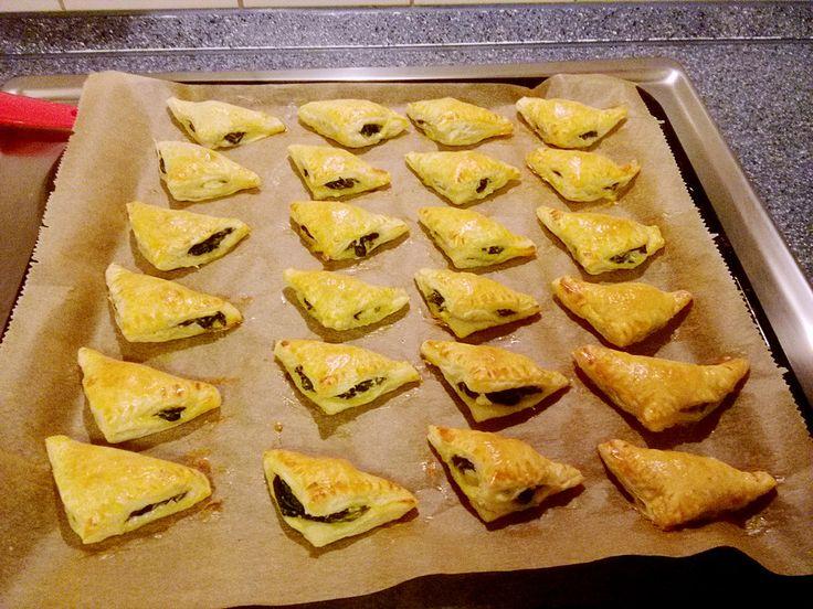 Blätterteig-Dreiecke mit Spinat und Feta 47