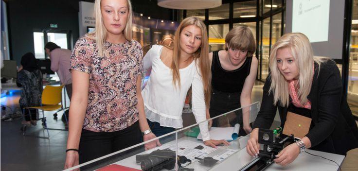 Des lycéennes suédoises en immersion à l'ESRF Xl esrflyceennes
