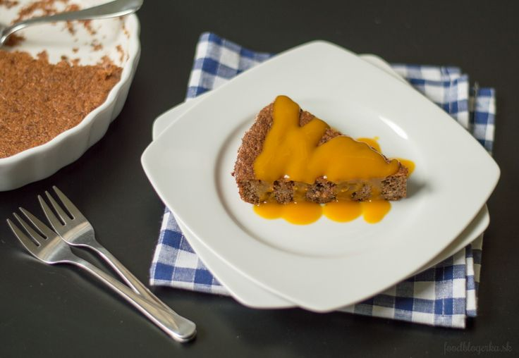 Carrot cake with mango puree