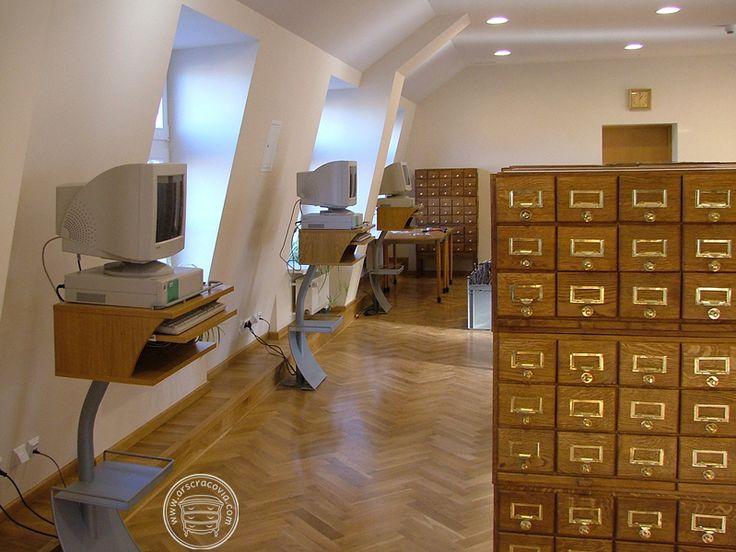 Katalog zbiorów, elektroniczny lub papierowy jest niezbędny do prawidłowego funkcjonowania  biblioteki