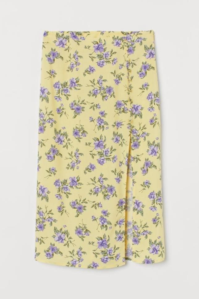 Calf-length skirt in airy, woven viscose fabric. High waist with concealed zipper. Decorative covered buttons and a high split at one side. Calf Length Skirts, Split Skirt, Dress Indian Style, Viscose Fabric, Floral, Covered Buttons, Fashion Company, World Of Fashion, Personal Style