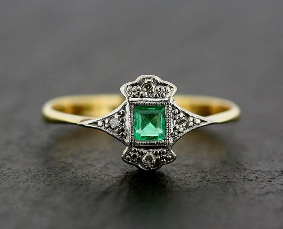 Art Deco Emerald Ring - Antique Art Deco Emerald & Diamond 18ct Gold and Platinum