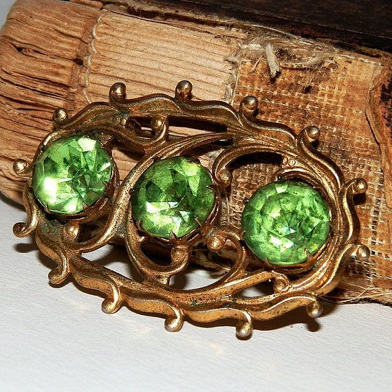 antique or vintage brooch or pin jewelry collectibles
