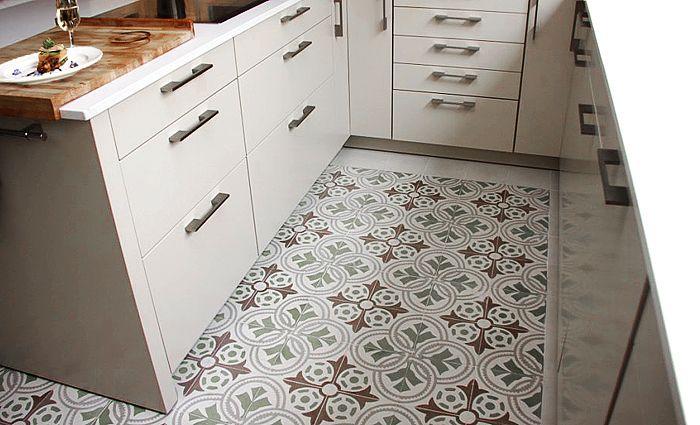 White kitchen with cement tiles #mosaicdelsur #cementtiles