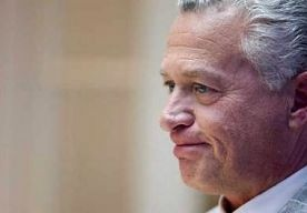 Belofte Moszkowicz wankelt: KvK heeft nog geen jaarrekeningen binnen.    De Amsterdamse Kamer van Koophandel heeft nog geen jaarstukken ontvangen van Bram Moszkowicz. Dat meldt persbureau Novum. Moszkowicz zei eerder…