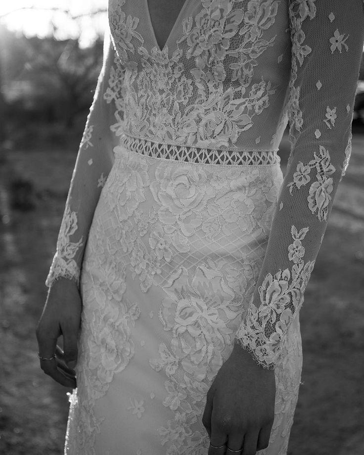 Flora I Flora bridal I lace sleeves