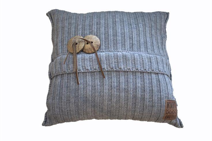 knit factory, gebreide kussens