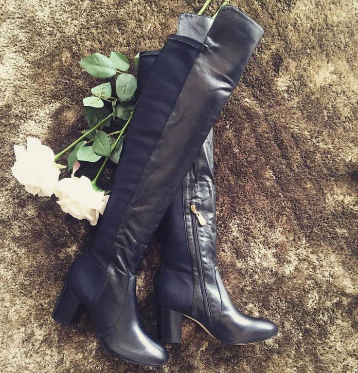Over The Knee Luz da Lua!!!  No topo da nossa wishlist esta Over é super confortável salto bloco e possui strech para o ajuste nas pernas corra para garantir a sua!  http://ift.tt/1fp6S5u  WhatsApp: (42) 8422-1986 #luzdalua #luzdaluaoficial #botaluzdalua #botas #overtheknee #botaover #moda #winter #boots #shoes #shoeslovers #lookdodia #loucasporsapatos #shoesonline #lojaonline #comprasonline #supimpacalcados #supimpaonline #amosapatos #shoeslover #loucasporcompras #over #modainverno by…
