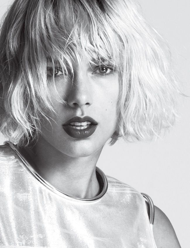 Short carre haircut. A bob hairstyle inspired in Taylor Swift.