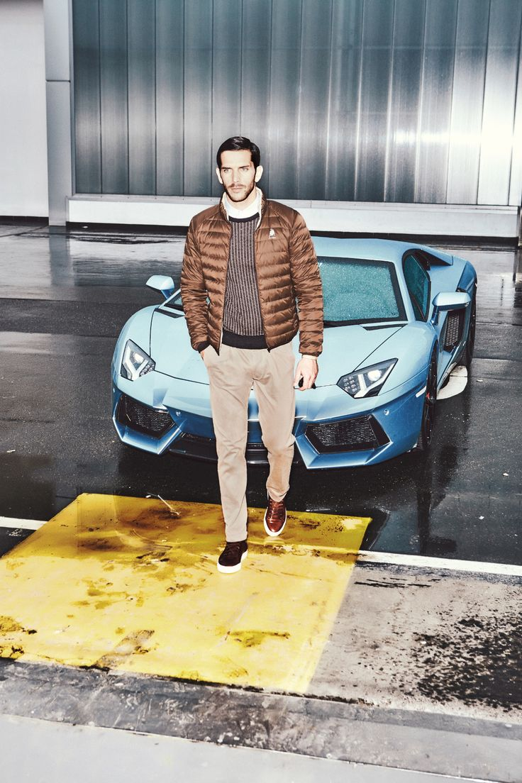 The style of Collezione Automobili Lamborghini is the lifestyle declination of the same research carried  always to extreme. The carbon, cashmere, bold design and its elegant soul. Check out the new Autumn Winter 2015-16 collection on lamborghinistore.com