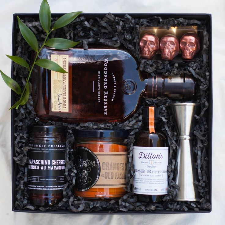 OLD FASHIONED COCKTAIL GIFT BASKET - These local goods create the perfect gift for your boyfriend, brother or dad!