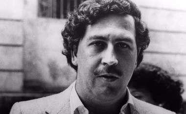 Mujeres, pasión, dinero y drogas. El legendario narcotraficante Pablo Escobar sigue causando polémica 23 años después de su muerte. El seductor capo colombiano amó a varias mujeres en secreto, a muchas otras 'las compró y a otras las mandó a matar'.