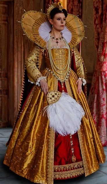 Elizabethan Historical costume gown outfit dress #timetravelcostumes @TimeTravelStyle