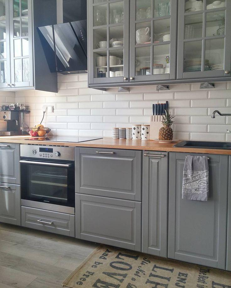 Sobota - dzień sprzątania. Wy też tak macie? Ja już po  teraz obiad mógłby sie sam zrobić   #weekend #nibywolne #mykitchen #kitchendecor #kitchenlife #kitchen #home #homesweethome #homedecoration #design #kitchendesign #greykitchen #ikea #ikeakitchen #bodbyn #szarakuchnia #white #pepco #szary #biały #skandynawski #mylove