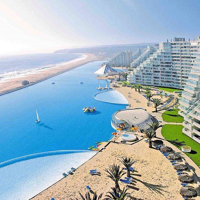 World's biggest swimming pool in Chile  - Photo:©San Alfonso Del Mar