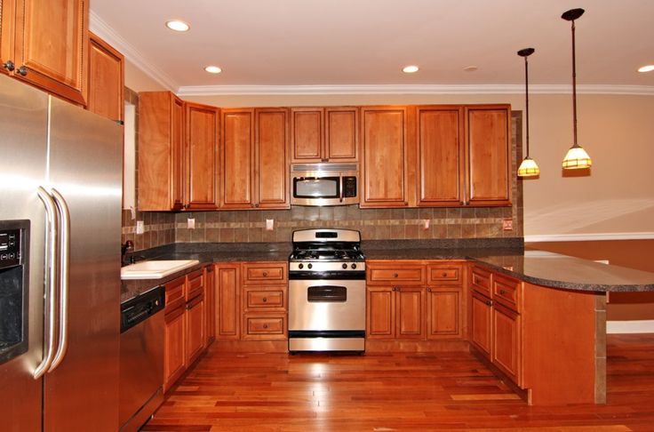 Wood Cabinets – check various designs and colors of Wood Cabinets on Pretty Home. Also checkRustic Kitchen Cabinets http://www.prettyhome.org/wood-cabinets/