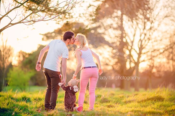 Cheam Family & Child Photographer | Child Portraits | Child Poses | Girl | Cute | Sunset | Family Photography | Child Photography | Pretty | Bokeh | Canon | England