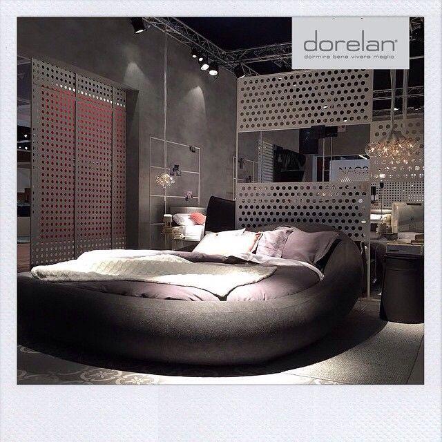 In diretta dal #Salonedelmobile di #Milano l'iconico #Pebble by #Dorelan   #bed #mdw15 #DorelanDreamsDesign #isaloni #mdw2015 #cool #designdecor #mattress #sleep #milano #circle #interiordesign #ilariamarelli #design #dormirebene #benessere #riposo #inspiration #milanodesigweek