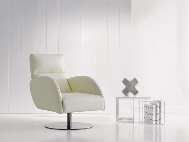 Contemporary DeltaSalotti Just Real Leather Lounge Chair Various Colours.  #modernfurniture #interiordesign #home #modernhome #furniture #interiors #loungechairs