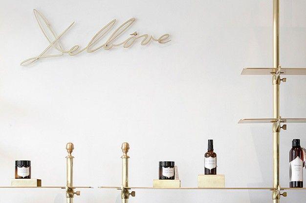 NOWE DELBOVE na FUTU.PL Autorem pomysłu na wnętrza butiku Delbôve jest Christophe Remy, który tym razem zaprojektował przestrzeń sklepu w stolicy Belgii.