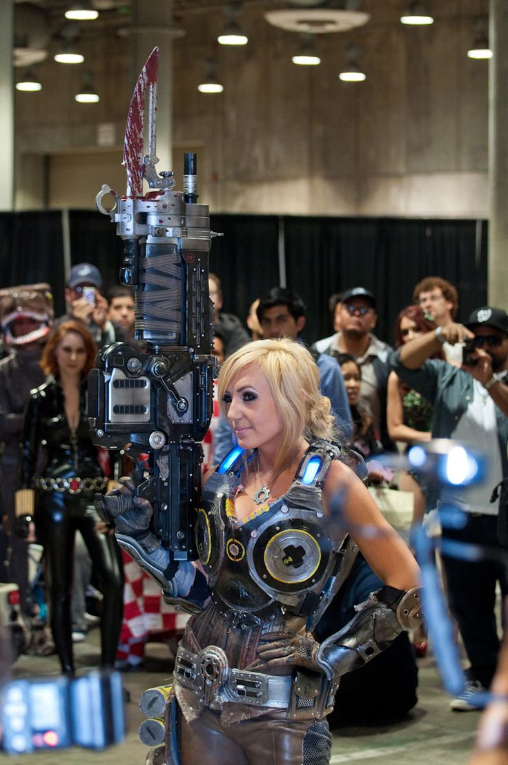 Gears of War cosplay. This is just too awesome. I need to make my way to an event soon.