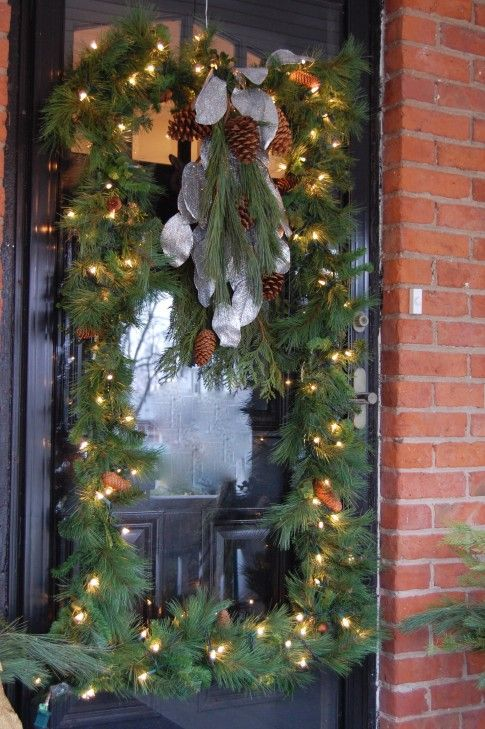 Wreath made from PVC pipe   ---talks about it on site