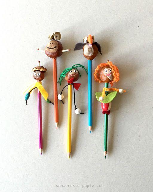 schaeresteipapier: Lustige Stift-Figuren!  Mal wieder eine super DYI-Idee von Natalie zum Basteln mit Kastanien für Kinder.  Tipp: warum nicht noch ein kleines Puppentheater aus einem Schuhkarton dazu basteln? Dann haben die Kastanienkumpels gleich eine passende Bühne für ihren großen Auftritt...