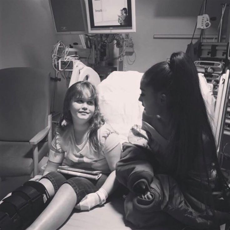 Ariana visiting one of the Manchester Attack Victims in hospital