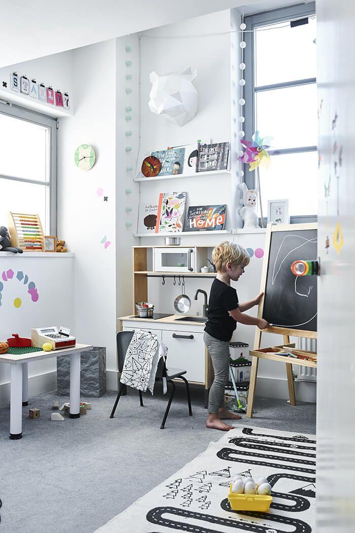 Een gezellig plekje voor de kids | IKEA IKEAnl IKEAnederland kinderen kind kinderkamer speelgoed slaapkamer kamer minimalistisch zwart wit gezellig interieur wooninterieur inspiratie wooninspiratie