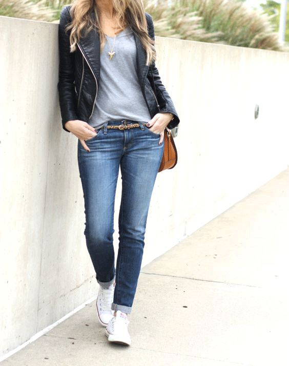 Leather jacket with white converse outfit idea.