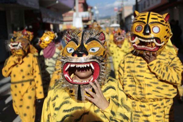 Sea parte del desfile tradicional en México que pide agua y abundancia de cultivos. Visite nuestra página y sea parte de nuestra conversación: http://www.namnewsnetwork.org/v3/spanish/index.php #nnn #bernama #mexico #desfile #tradicion #cultura #malasia #malaysia #guerrero #df #tigres #noticias #news #pics #fotos