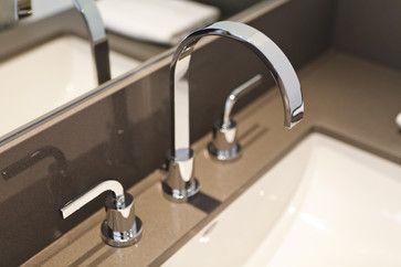Minimalist Ensuite Bathroom - modern - bathroom - toronto - BiglarKinyan Design Partnership Inc.