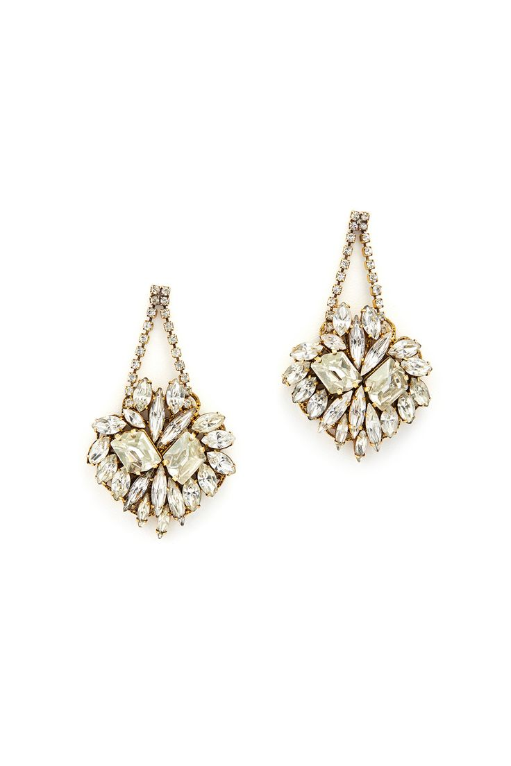 Stunning vintage-inspired earrings for the bride