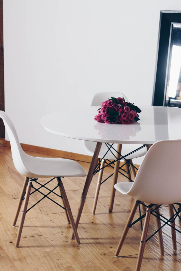 Structube Dining Table and Chairs