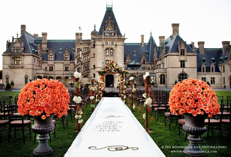 The Most Luxurious Wedding Venues in the World 12. The Biltmore Estate, North Carolina:   Built in 1895 by George Vanderbilt, this 250-room chateau sits on 8,000 acres of beautiful gardens and landscape. It is the largest privately owned home in America and holds the Vanderbilt family's original pieces, such as furniture, art, and antiques. For your ceremony and reception you can choose from several venues within the estate, like the Lioncrest Grand Ballroom, The Italian Garden, Front Lawn…