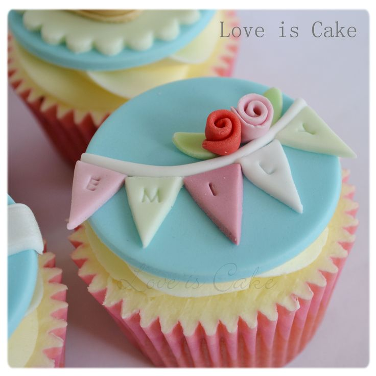 Handbags, shoes and Tiffany cupcakes - Good luck cupcakes made for a lady who loves mulberry handbags, shoes, Tiffany and co and bunting.