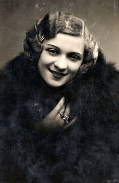 Kiss Manyi(1911-1971) Kossuth- és Jászai Mari-díjas magyar színésznő, érdemes és kiváló művész.