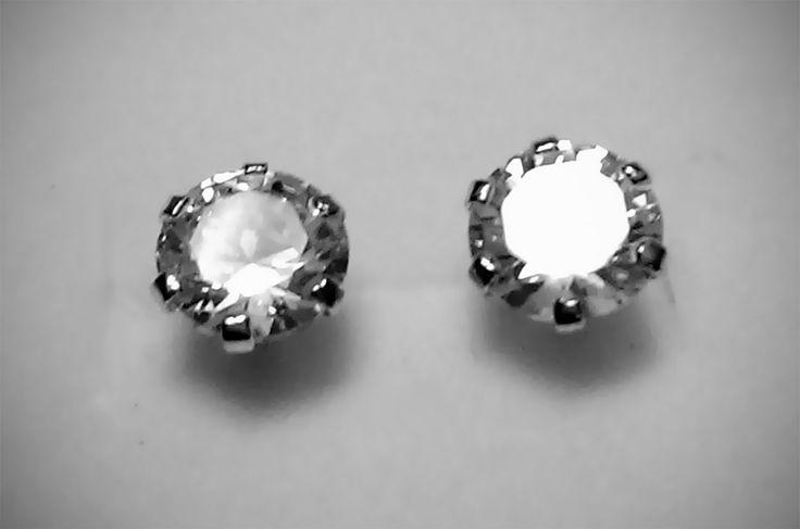 Par de Aretes de Plata .925 Circonia blanca