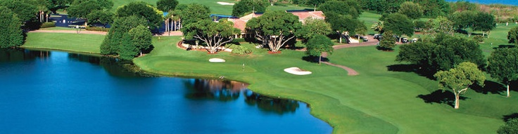 MetroWest Golf Club: It is voted as one of the best golf course in Orlando. This golf course is just a few minutes away from the Universal Orlando Resort. This fascinating golf course was designed by Robert Trent Jones Senior. The golf course is a feast for the eyes for its picturesque scenes. The golf course delivers the utmost pleasure for any skilled player.