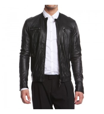 Men's leather jacket with biker details and zipper. http://shop.mangano.com/en/uomo/16561-black-leather-jacket-kenton.html  #leather #black #jacket #menswear #clothing #apparel #fashion