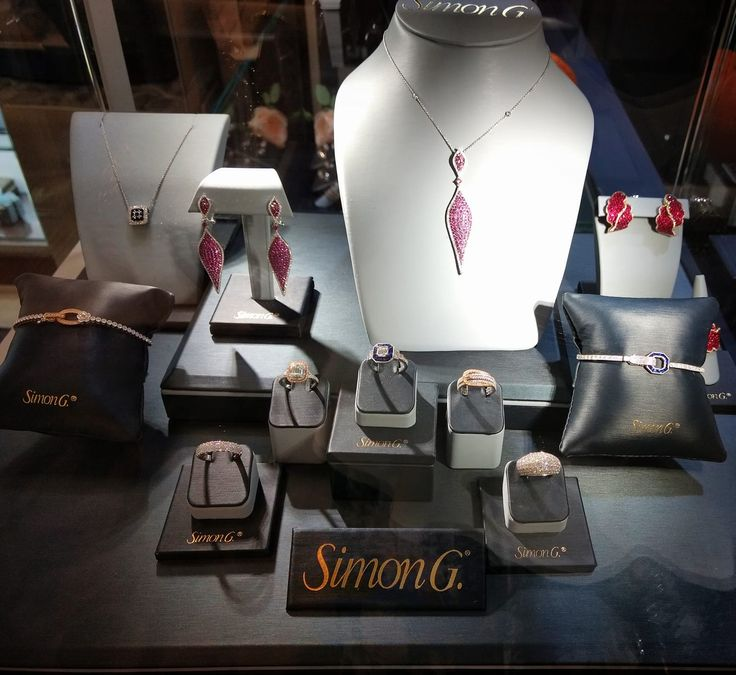 New fall collection is here! Getting ready for holidays season! Come in or call us and we will find you your perfect gift #beuniqe #someonespecial #holidays #season #ishere #pick #yourfavorite #gifts #simongjewelry #bobthompsonjewellers