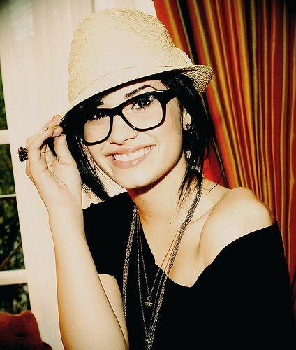 Demi Lovato looks super cute in her oversized glasses! Click to check out Calvin Klein's version on Eyesave @daniivato @ops_yssa @lovaticoutflow @TaisDilam @AradeLovato @ddlovato